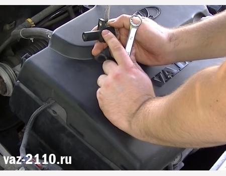 Датчик коленвала ВАЗ 2110: где находится, замена