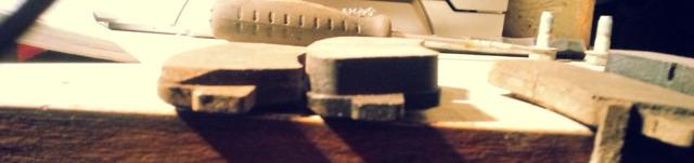 Тормозные колодки на Хендай Солярис: выбор и замена