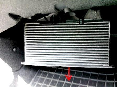 Салонный фильтр Шкода Октавиа А7: где находится, замена