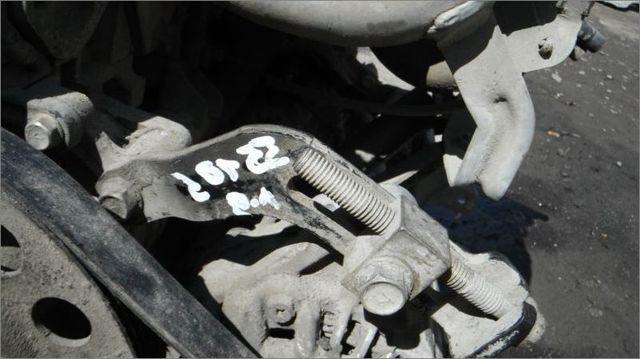 Аккумулятор на Митсубиси Лансер 9: как снять