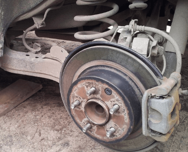 Тормозные колодки на Ниссан Кашкай: замена передних и задних колодок