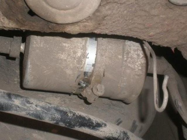 Топливный фильтр на Шкода Фабия: где находится, замена