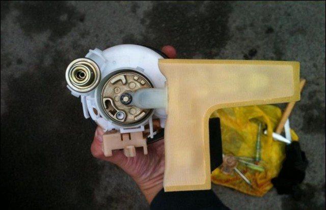 Топливный фильтр на Тойота Королла 150: замена