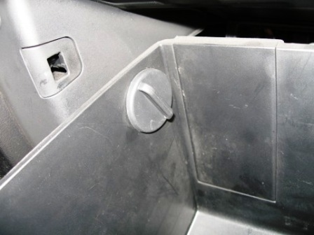 Салонный фильтр на Киа Спортейдж: где находится, замена