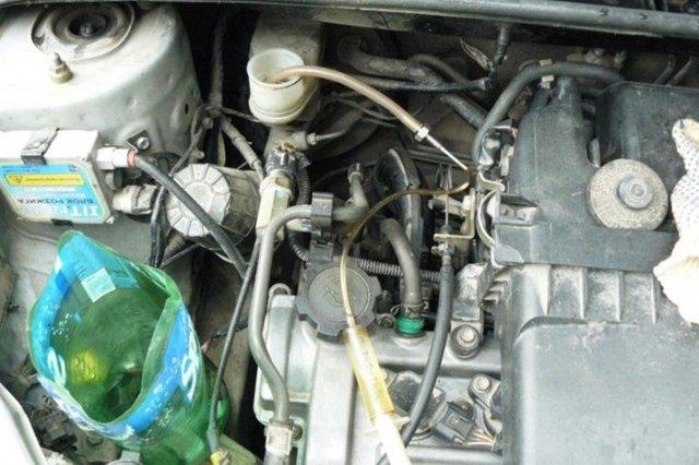 Тормозная жидкость для Тойота Королла 150: выбор и замена