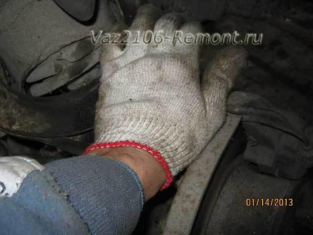 Шаровые опоры на ВАЗ 2106: выбор и замена