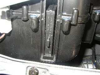 Воздушный фильтр на Хендай Акцент: где находится, замена
