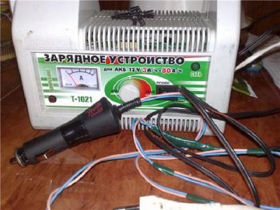 Как зарядить необслуживаемый аккумулятор автомобиля в домашних условиях