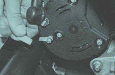 Генератор Лада Приора: какой установлен, замена своими руками