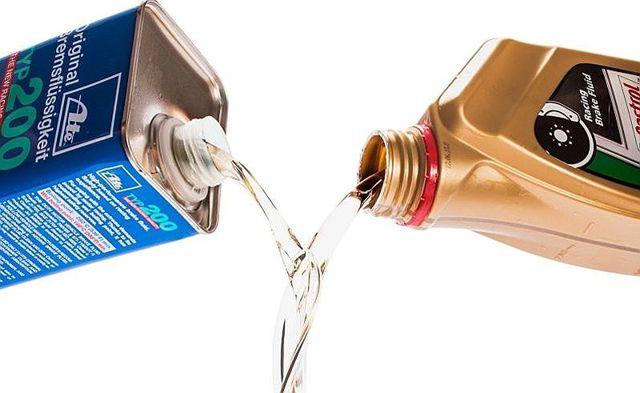 Тормозная жидкость БСК: характеристики, состав, отзывы