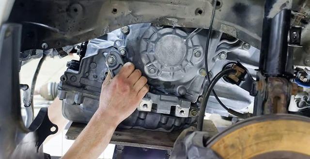 Замена вариатора на Митсубиси Лансер 10, процесс замены на механику