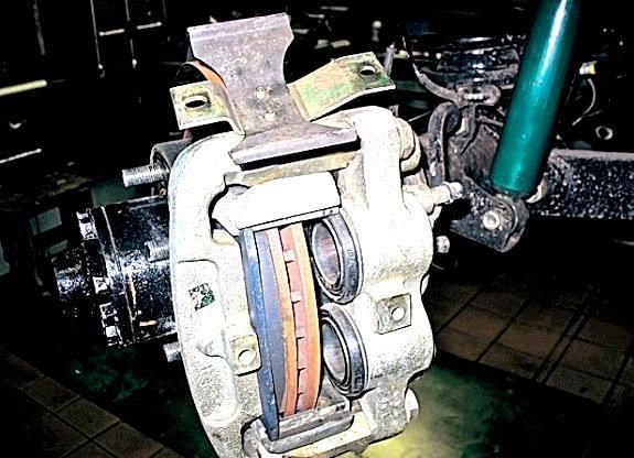 Тормозные колодки на УАЗ 469: выбор и замена