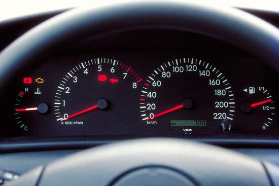 Вибрация на Тойота Камри 40: на холостых, при разгоне, причины