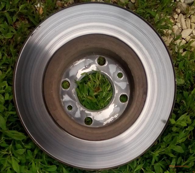 Тормозные диски Лада Веста: выбор и замена