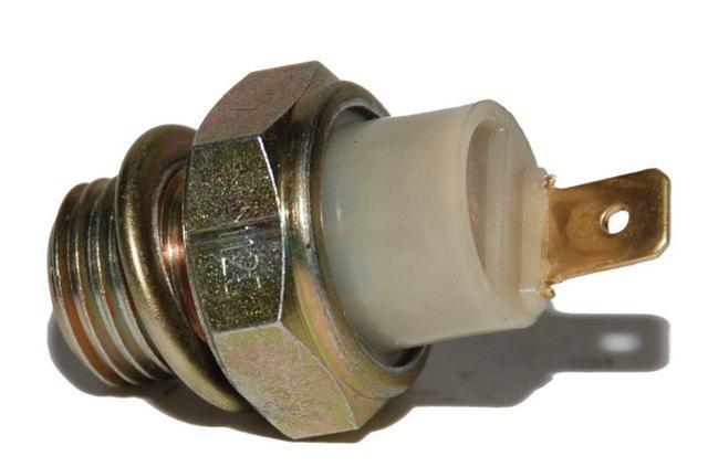 Датчик давления масла ВАЗ 2107: где находится, замена