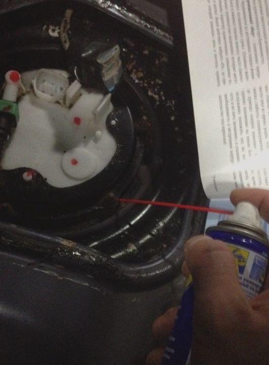 Топливный фильтр на Митсубиси Лансер 10: где находится, замена
