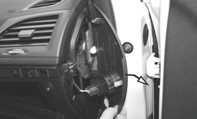 Салонный фильтр на Рено Флюенс: где находится, замена