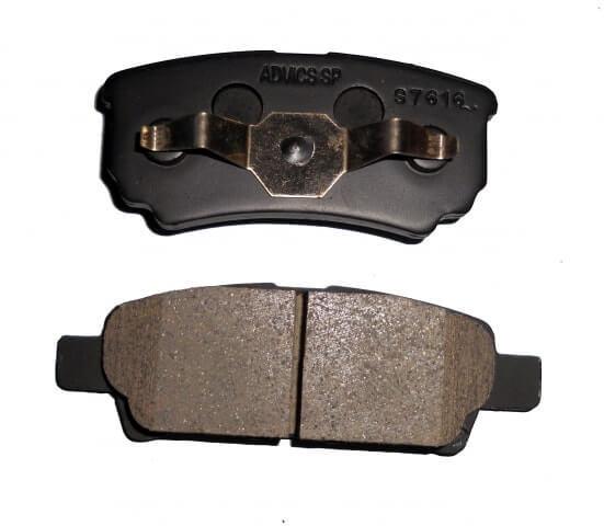 Задние тормозные колодки Митсубиси лансер 10: выбор и замена