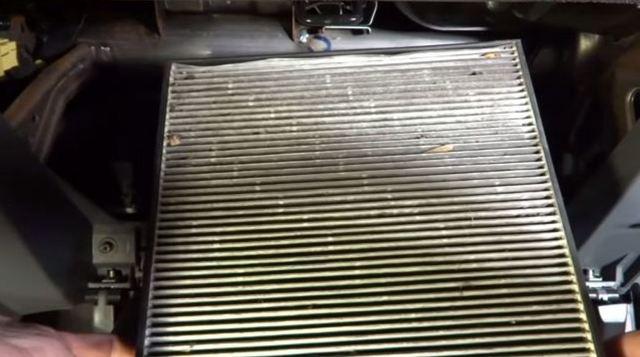 Салонный фильтр Хонда Аккорд 7: замена