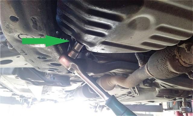 Датчик давления масла на Тойота Камри 40: где находится, замена