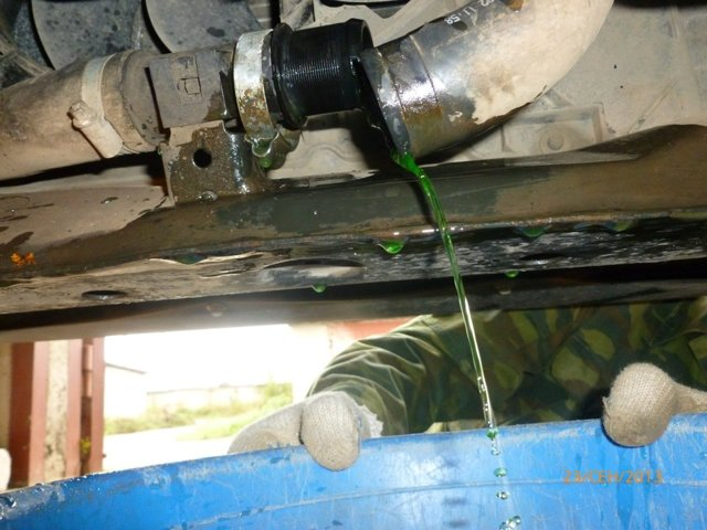 Ремонт системы охлаждения двигателя: как правильно слить тосол с блока ВАЗ 2114 и залить обратно