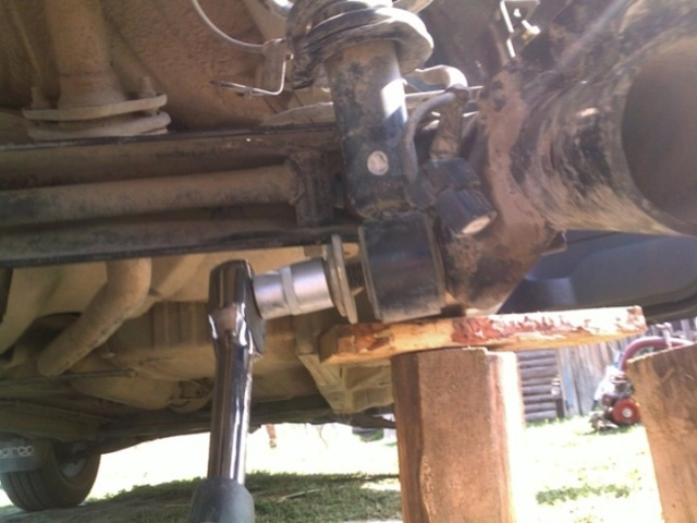 Передняя подвеска на Тойота Королла 120: замена сайлентблоков