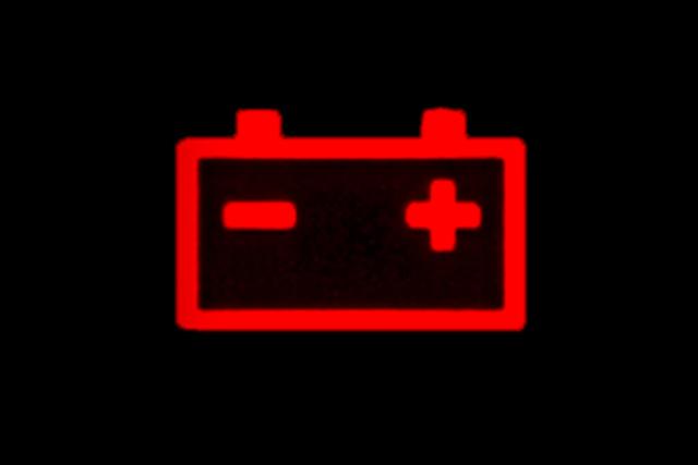 Что делать если загорелась лампочка аккумулятора: инструкция