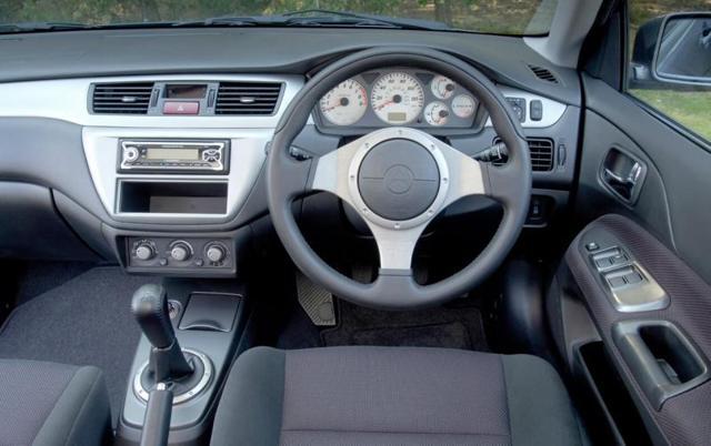Митсубиси Лансер 10: годы выпуска, двигатели, комплектации и характеристики