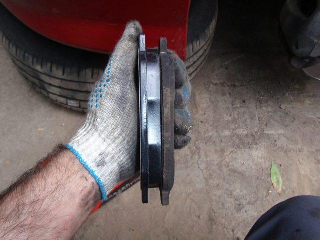 Задние тормозные диски Лансер 10: выбор и замена