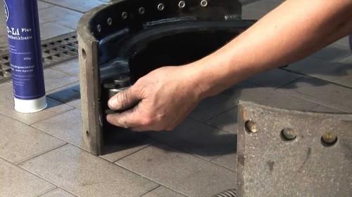 Накладки на тормозные колодки: как снять, как приклепать накладки