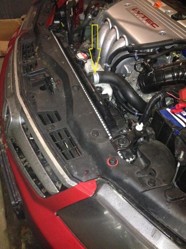 Радиатор на Хонда Аккорд 7: замена