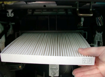 Салонный фильтр Тойота Камри 40: где находится, замена