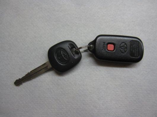 Ключ от Тойота Камри 40: иммобилайзер, замена, как открыть без ключа