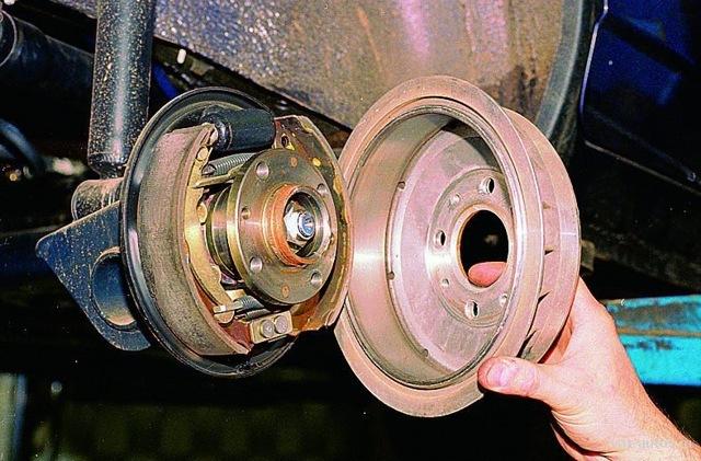 Тормозные диски на lada granta: выбор и замена