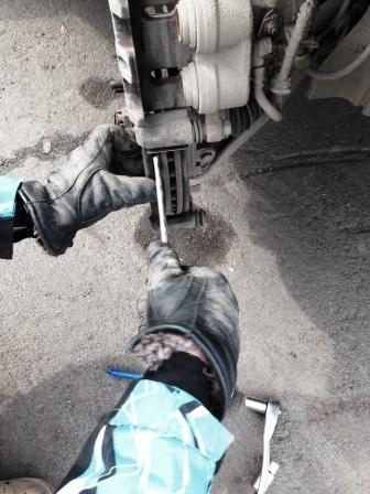 Тормозные колодки для Митсубиси Аутлендер: замена