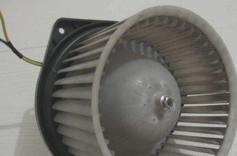 Печка на Митсубиси Лансер 10: замена, ремонт
