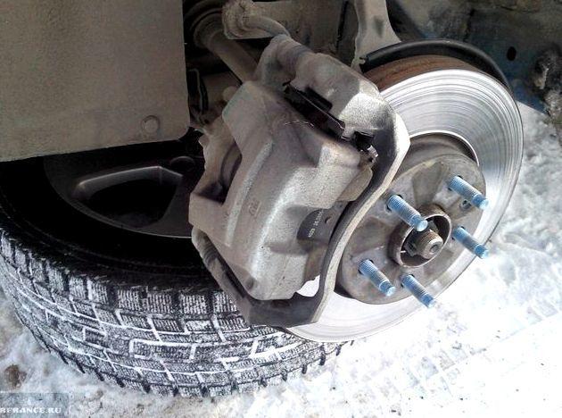 Задние тормозные диски Шевроле Круз: замена