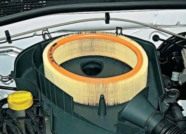 Воздушный фильтр Лада Ларгус: где находится, замена