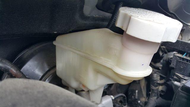 Тормозная жидкость на Киа Сид: выбор, замена