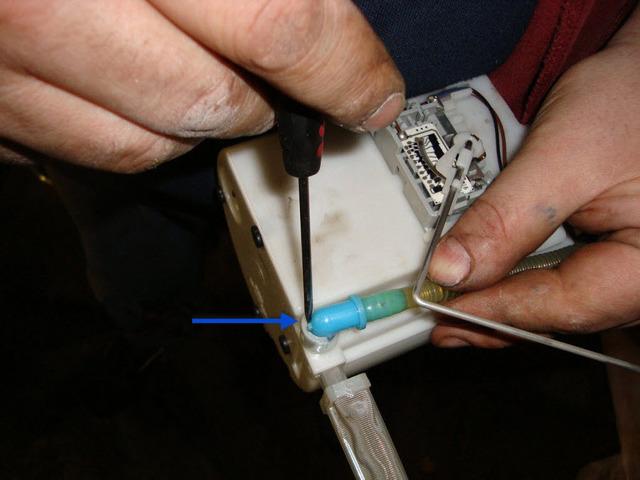 Топливный фильтр Киа Сид: где находится, замена