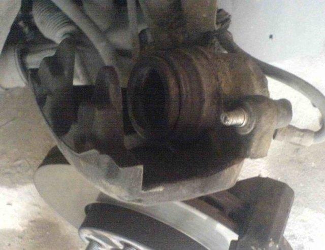 Тормозные колодки на ford focus 2: выбор и замена