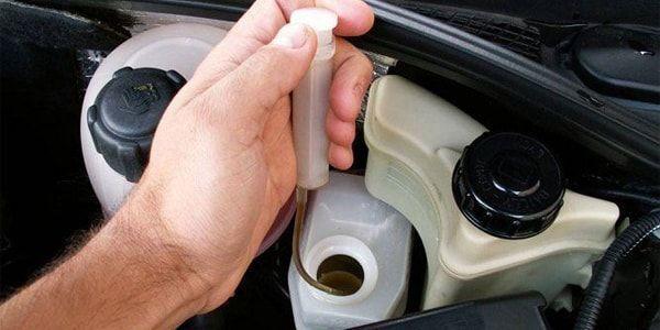 Тормозная жидкость Хендай Солярис: выбор, замена