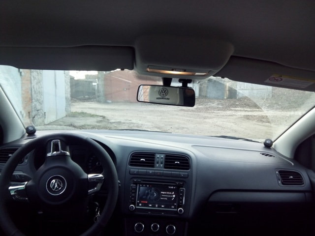 Передняя дверь на Фольксваген Поло: замена