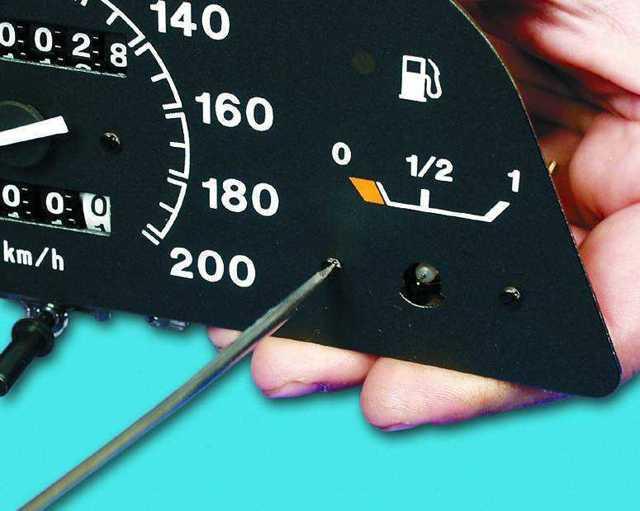 Датчик уровня топлива Шевроле Круз: где находится, что делать если не работает