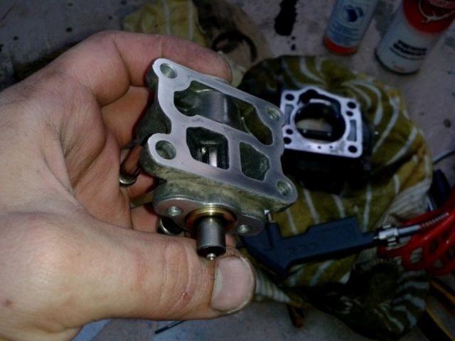 Дроссельная заслонка на Тойота Камри 40: чистка, ремонт