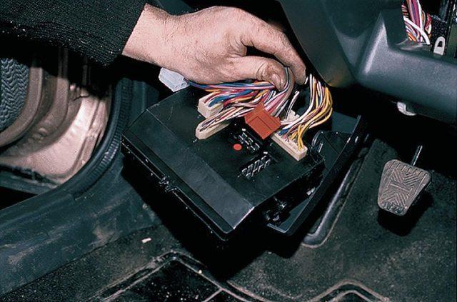 Предохранители на ВАЗ 2111: где находятся, замена