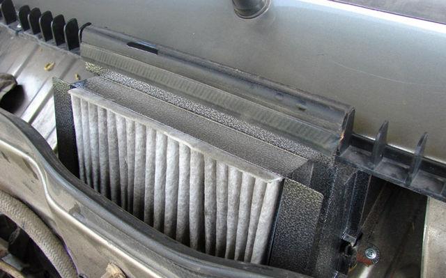 Воздушный фильтр ВАЗ 2109: где находится, замена