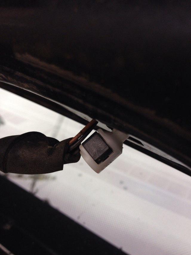 Омыватель лобового стекла на Фольксваген Поло: замена