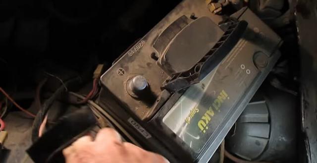 Стартер ВАЗ 2101: где находится, как снять, замена