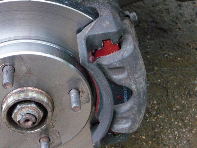 Тормозные колодки Шевроле Лачетти, замена тормозных дисков